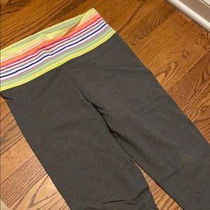 Victoria's Secret crop workout leggings